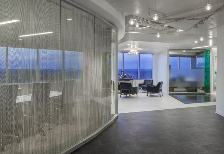 Accountable health offices by otj architects rockville for Curved glass wall