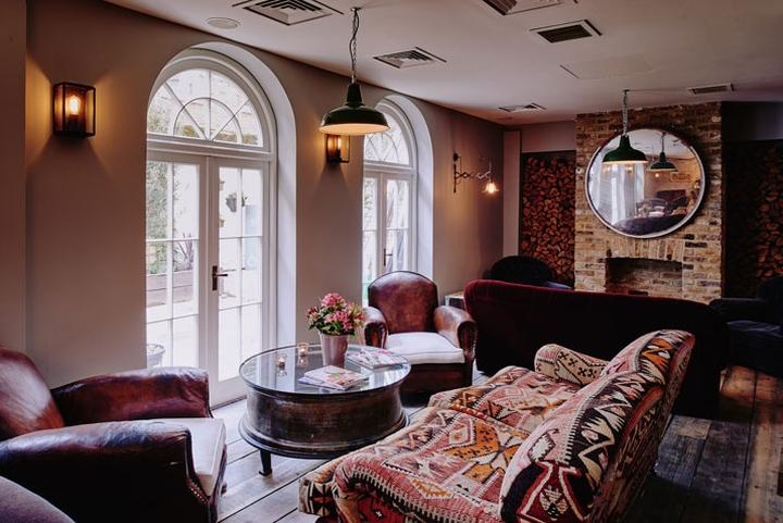 Artist residence hotel london uk retail design blog for Design hotels london