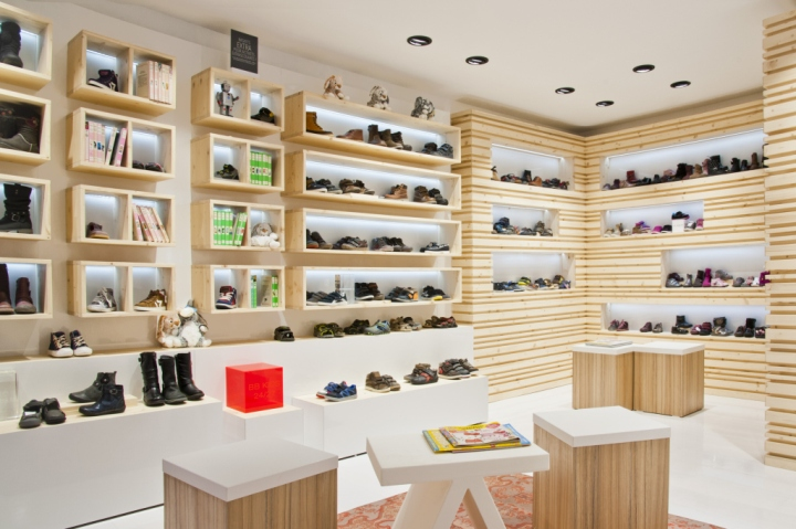 Shoe shopping for boys and girls can become quite an ordeal at a traditional store. Cut out the hassle of taking your little one to the store and having him or her try on everything. With a fresh pair of SKECHERS Kids, Nike Kids and Crocs Kids and watch their faces light up.