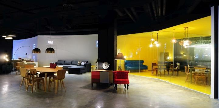 flagship showroom by bureau de change london uk retail design blog. Black Bedroom Furniture Sets. Home Design Ideas
