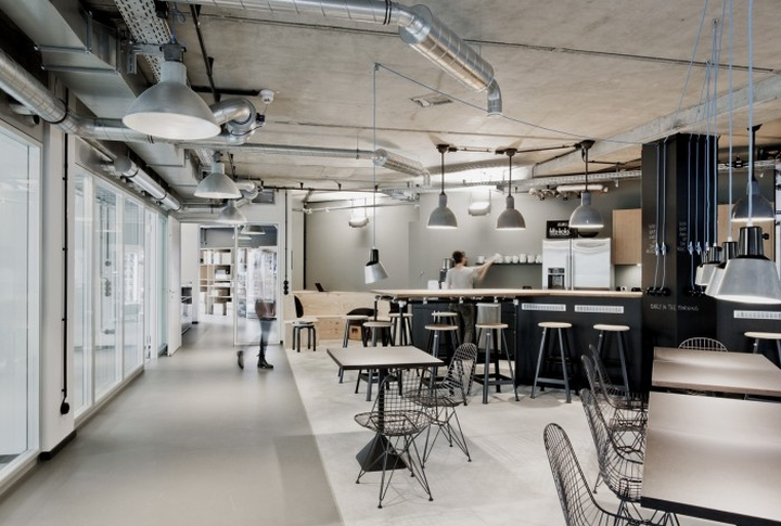 Project collins offices by ply hamburg germany retail for Design offices hamburg