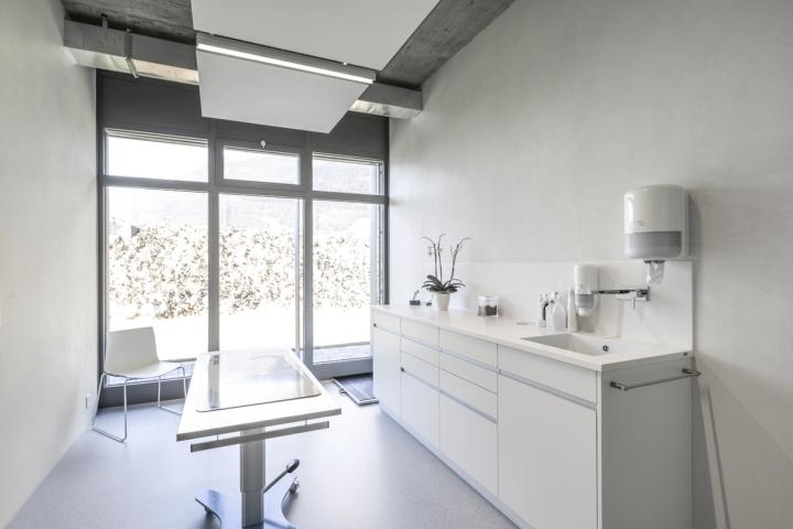 Veterinary Clinic Masans by Domenig Architekten, Chur – Switzerland