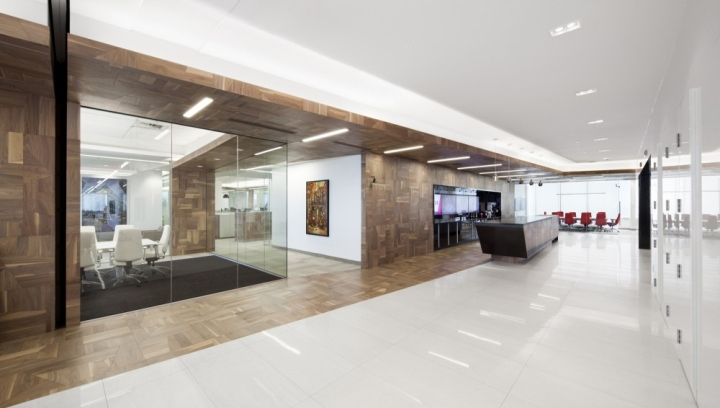 Broccolini construction offices by rubin et rotman for Office interior contractor