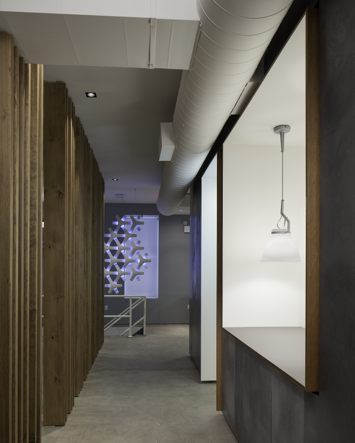 Luceplan And Modular Lighting Instruments Showroom By Amedeo