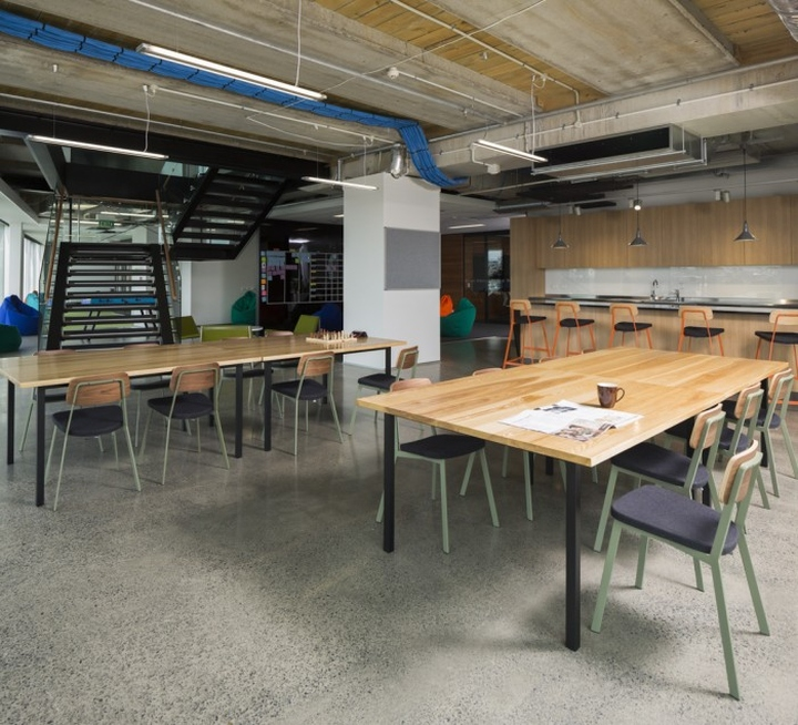Spendvision offices by aecom auckland new zealand for Office design auckland