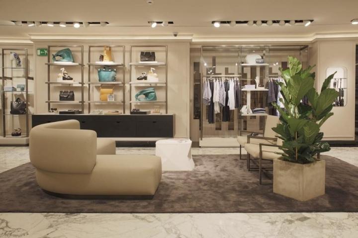 Uterq e concept store valencia spain for Design hotel valencia spain