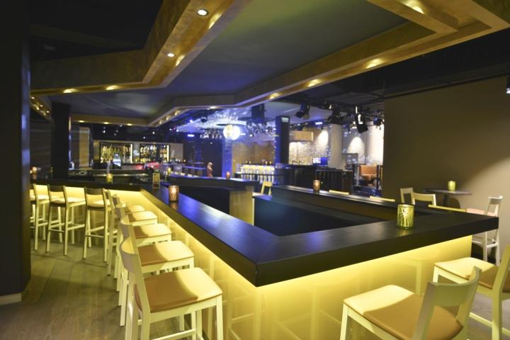 Adiamo nightclub by kitzig interior design architecture for Kitzig interior