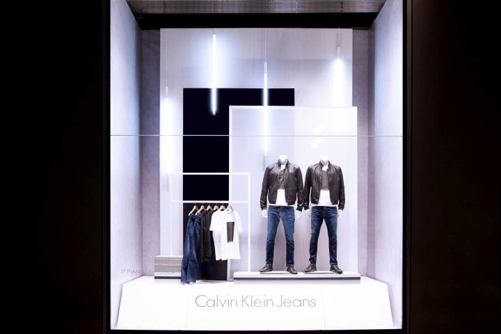 187 Calvin Klein Windows Milan Italy