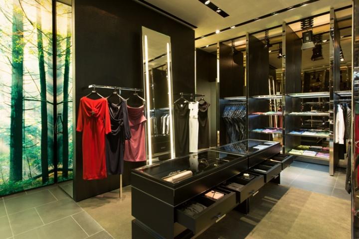 Dsquared2 Store, Abu Dhabi – UAE 661de65b4332