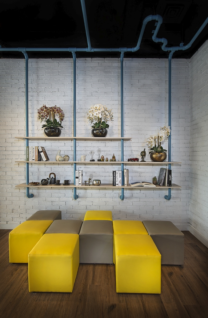 One azure marketing office by hello embryo jakarta for Marketing office design