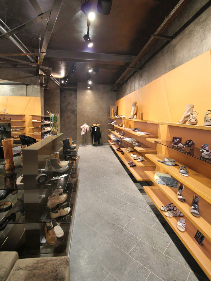 stratmann shoes store by kitzig interior design. Black Bedroom Furniture Sets. Home Design Ideas