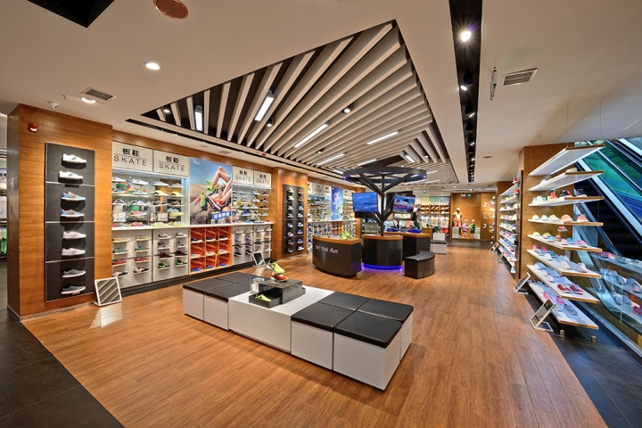 187 Xtep Brand Experience Sportswear Store By Ziyang
