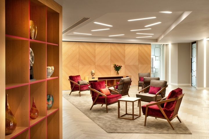 Boodle hatfield offices by resonate interiors london uk for Interior design companies in london uk