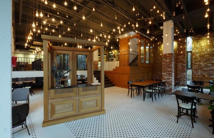 Il bianco café restaurant by betwin space design