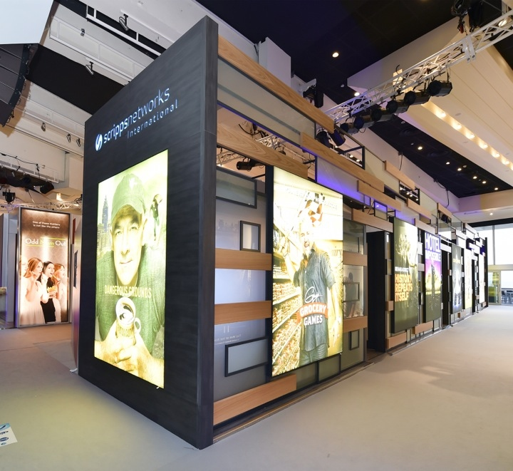 Exhibition Booth In : Scripps networks international booth by glow exhibitions