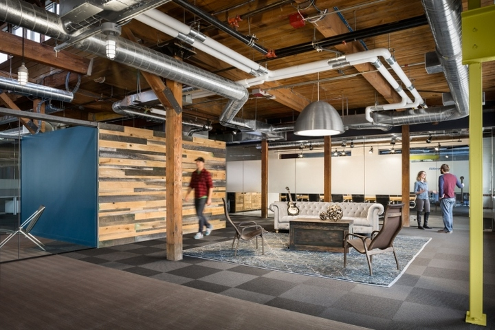 Izotope offices by unispace cambridge massachusetts for Office design cambridge