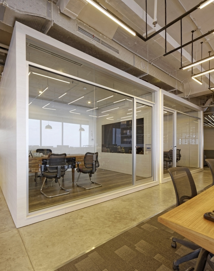 Bbdo indonesia offices by delution architect jakarta for Office design jakarta