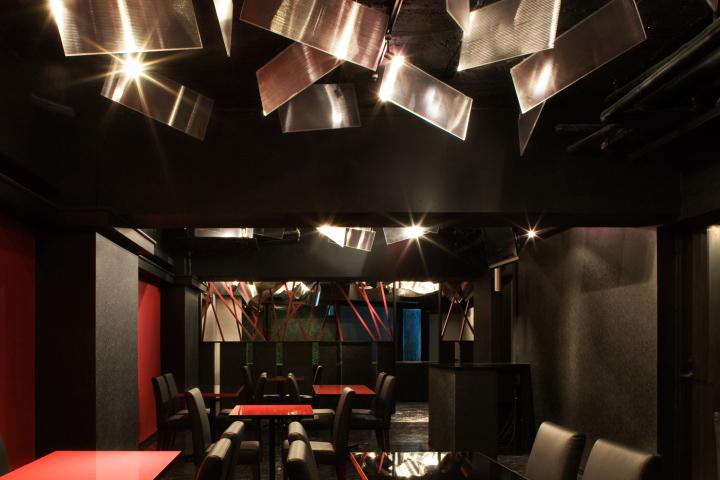 light cave bar restaurant by moriyuki ochiai architects tokyo japan - Travertine Restaurant 2015