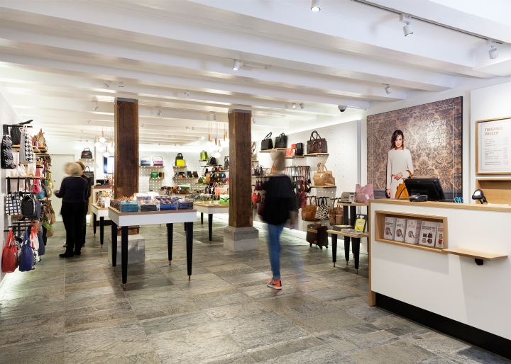 Museum shop of the Museum of Bags and Purses by Claessens Erdmann ...