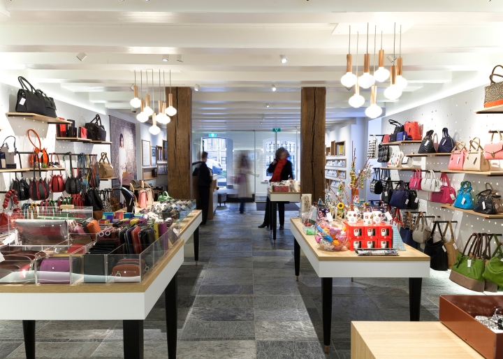Tassen Amsterdam Winkel : Museum of the bags and purses by claessens