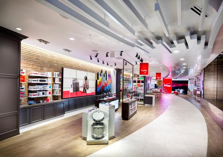 187 Verizon Chicago Destination Store By Chute Gerdeman