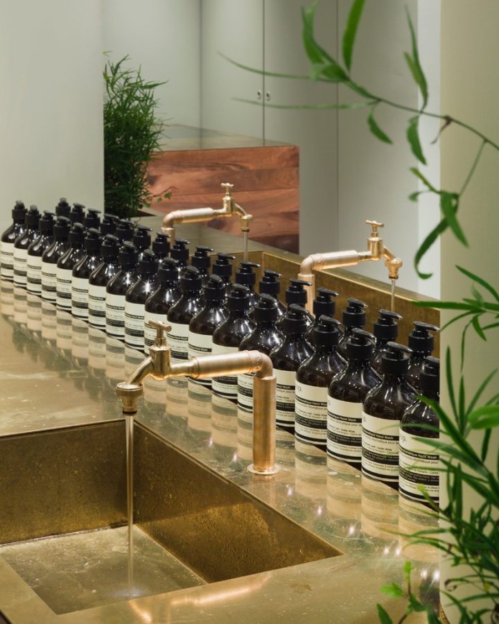 aesop store by philipp mainzer frankfurt germany retail design blog. Black Bedroom Furniture Sets. Home Design Ideas