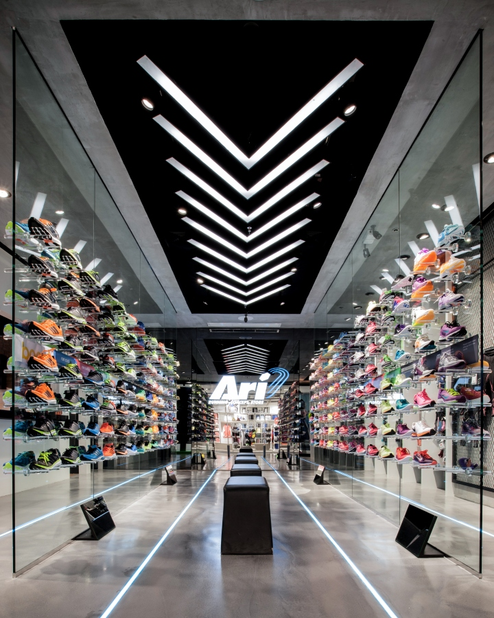 timeless design f1557 0feca Ari Running store by Whitespace, Bangkok – Thailand