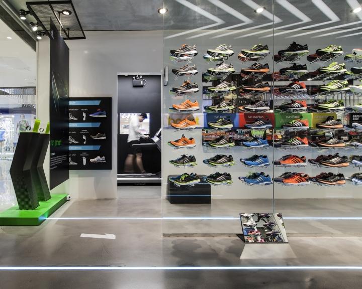 timeless design 13260 09028 Ari Running store by Whitespace, Bangkok – Thailand