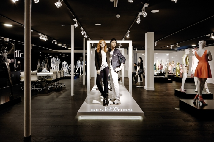 Mannequin Showroom 187 Retail Design Blog