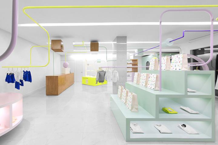 Kindo Childrens Boutique Interior Brand Design by Anagrama San