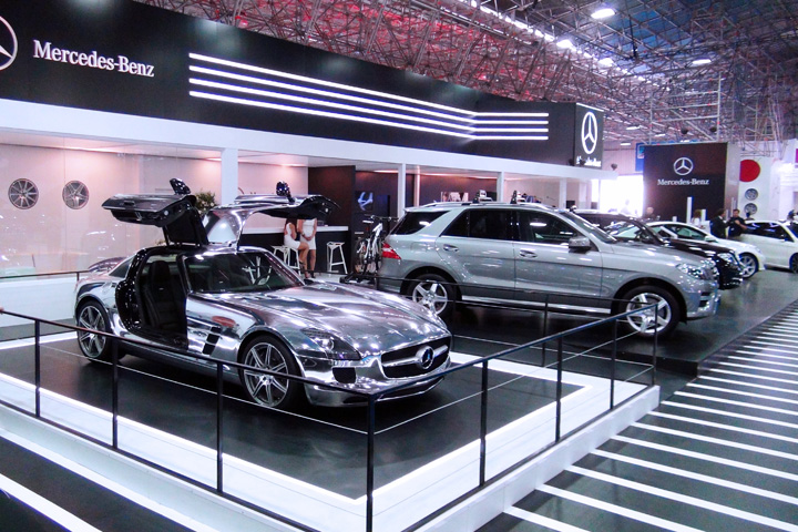 Mercedes Garage Roermond : Mercedes benz booth by arbol color at santiago motor show