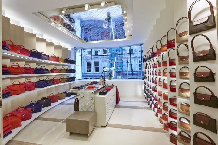 Painted mirror ceiling for Longchamp store by Aluphant, London – UK