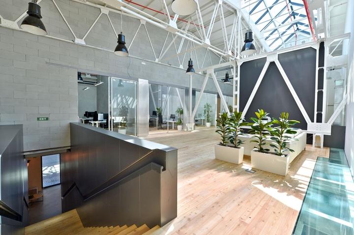 apiary offices by majo architekti prague czech republic buildinglink offices design republic