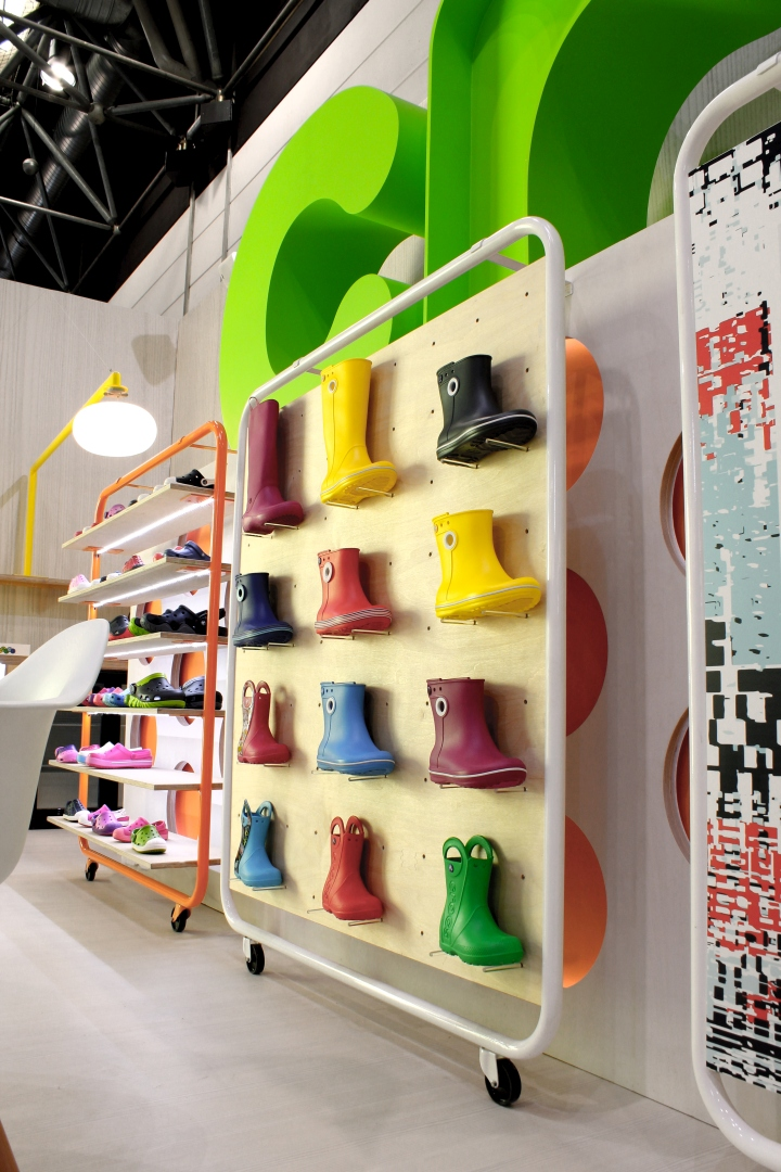 Exhibition Stand Designs Uk : Crocs exhibition stand by mynt design uk retail