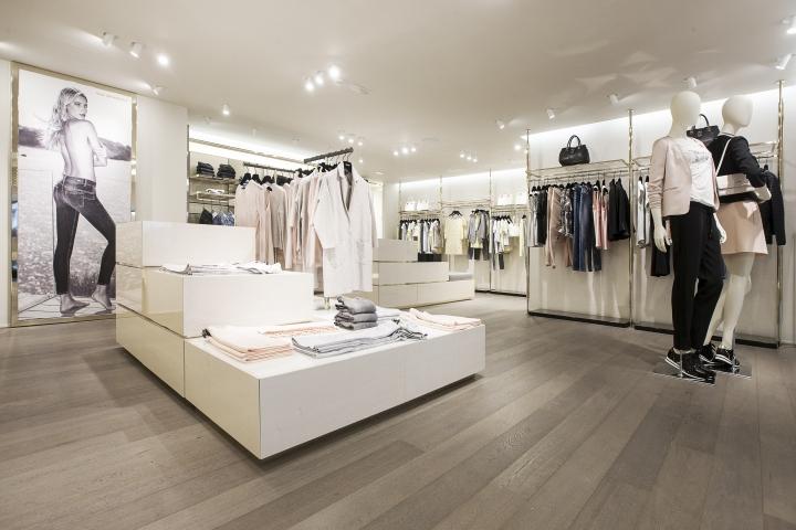 LIU JO Flagship Store By Christopher Goldman Ward Knokke