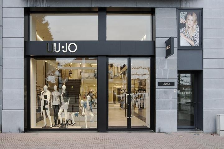 liu jo flagship store by christopher goldman ward knokke. Black Bedroom Furniture Sets. Home Design Ideas