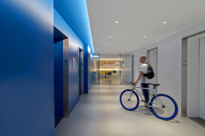Linkedin new york office Corporate Linkedin Moser Associates Has Developed New Office Design For Linkedins New York City Location On The 22nd Floor Of The Empire State Building Retail Design Blog Linkedin Offices By Moser Associates New York City