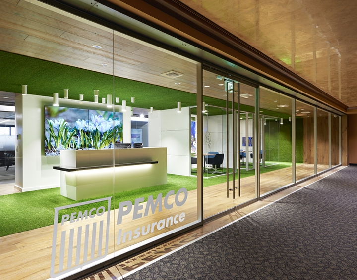 Pemco insurance offices by hdg architecture design for Office entrance design
