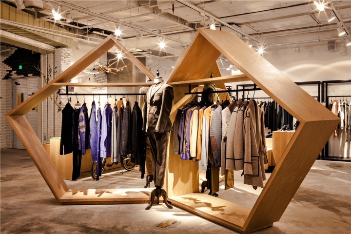 187 The Fashion Door Flagship Store By Bloom Design