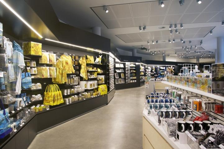 van gogh museum shop by day amsterdam netherlands retail design blog. Black Bedroom Furniture Sets. Home Design Ideas