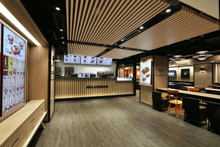 designers four lau sam sum emphasized on optimized lifestyle using japanese minimalist style and a lot of wood finishes to bring out the japanese way - Fast Food Store Design
