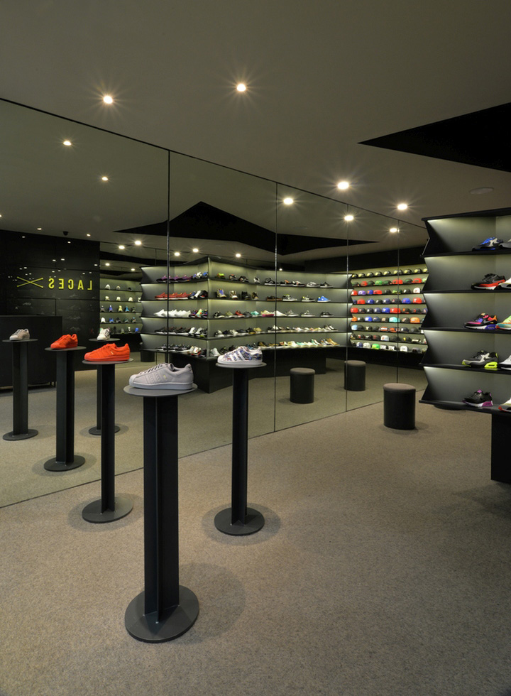LACES Shoe Store by CoA Arquitectura