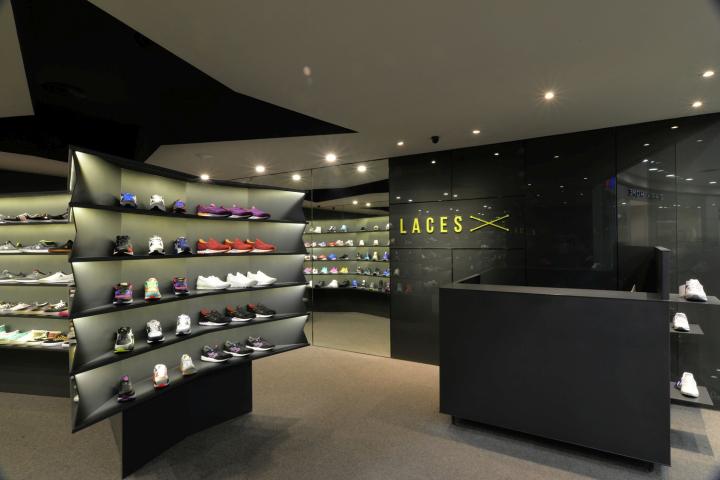 shoe store. Black Bedroom Furniture Sets. Home Design Ideas