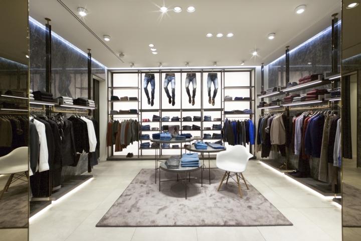 Oclusión Podrido Collar  LIUJO boutique in boutique by Christopher Ward Studio, Madrid – Spain