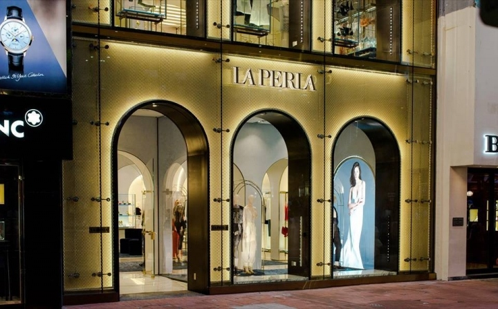 187 La Perla Flagship Store Hong Kong