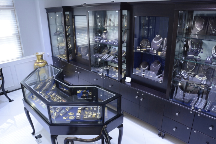 187 Nally Jewels Showroom Cases By Display Smart New York City