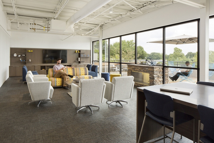 National Office Furniture Headquarters by Gensler, Jasper ...