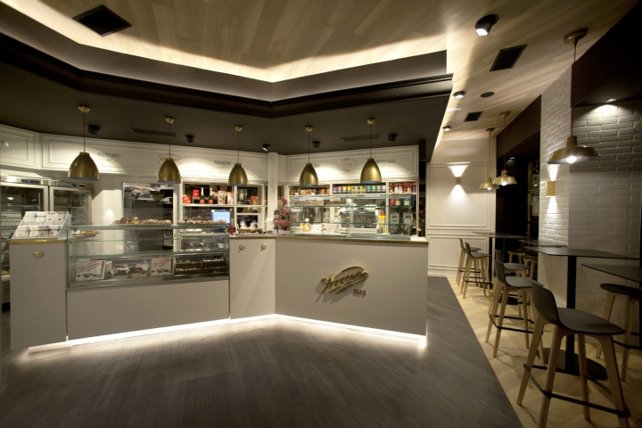 Pasteler a arrese bakery coffe shop by sube bilbao for Classic house bakery