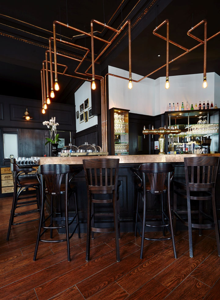 Cucine Industrial Style : Les innocents wine bar restaurant by agenceurs