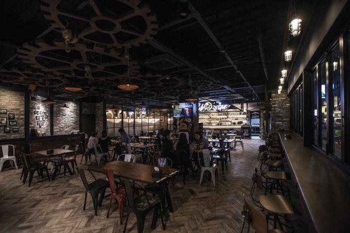 Pub star by ssomoo design seoul south korea retail for Design hotel chiemsee